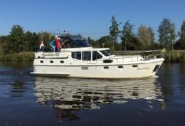 Aquastar-7-verhuurd-door-Yachtcharter-2000-430x295